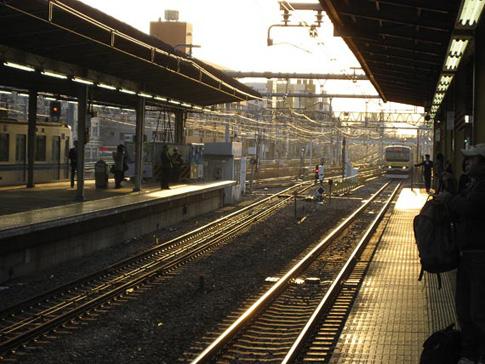 Une gare à  Tokyo…